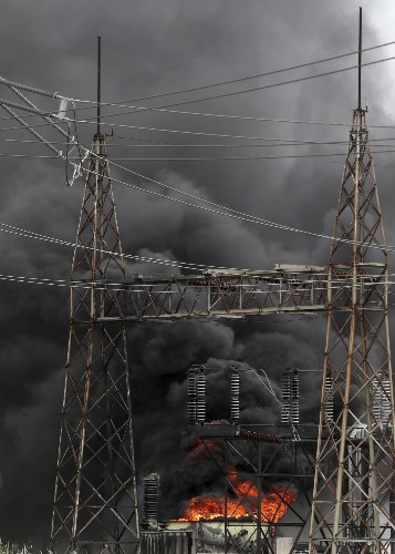 No injuries in Houston-area chemical plant transformer fire