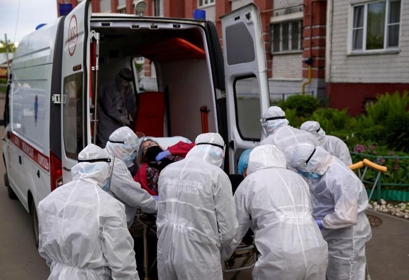Russia's coronavirus case tally edges past 440,000