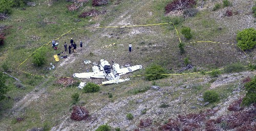 Officials say 6 people died in Texas small plane crash