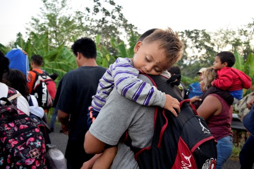 Caravan of migrants in Mexico starts moving towards U.S.