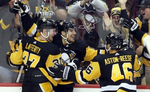 NHL roundup: Avs take first loss as Pens win in OT