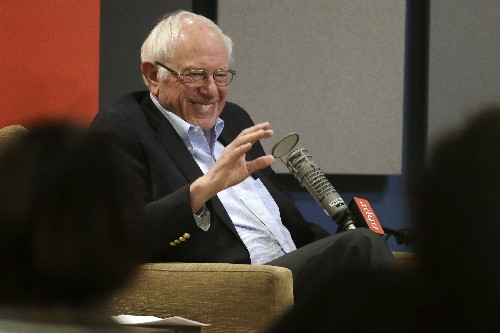 Sanders distances himself from group backing his WH run