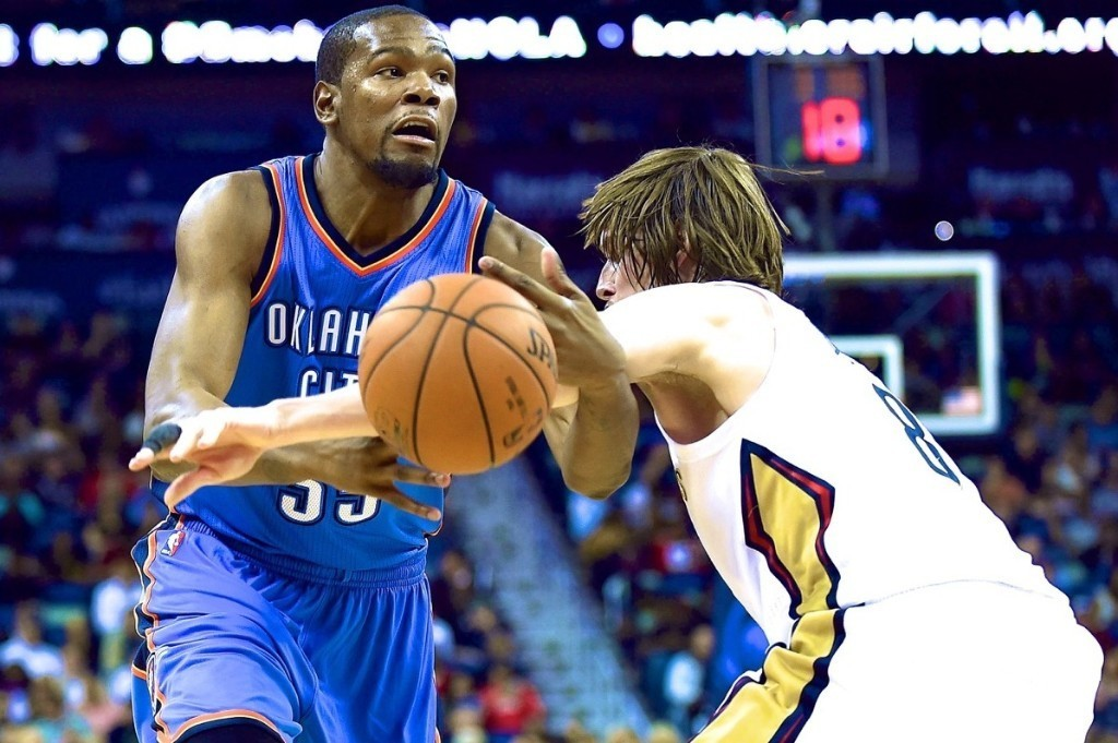 Durant drops 27 in debut, but Thunder falls to Pelicans
