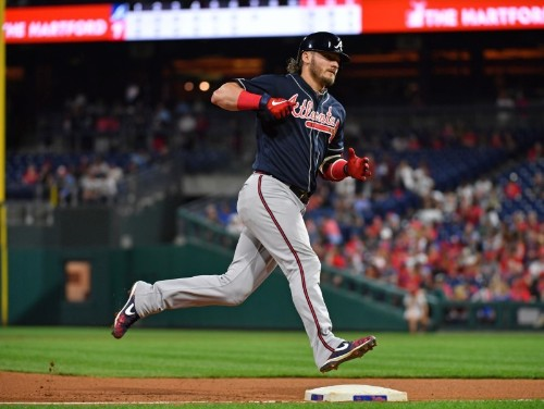 MLB roundup: Braves hammer Nats, clinch playoff spot