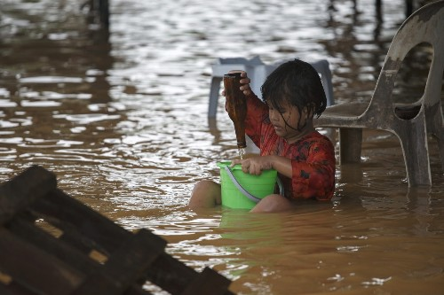 Epic Floods in Malaysia: Photo Gallery