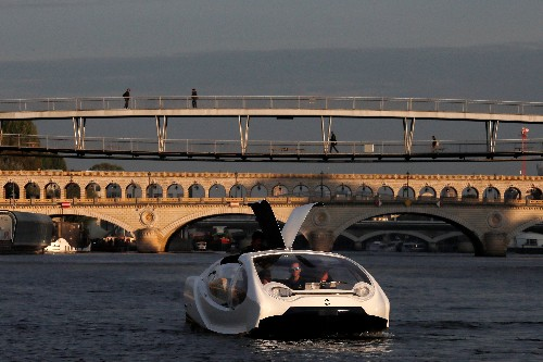 Cutting-edge electric boat undergoes testing on river Seine in Paris