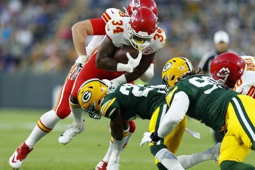 Report: Chiefs trade RB Hyde to Texans