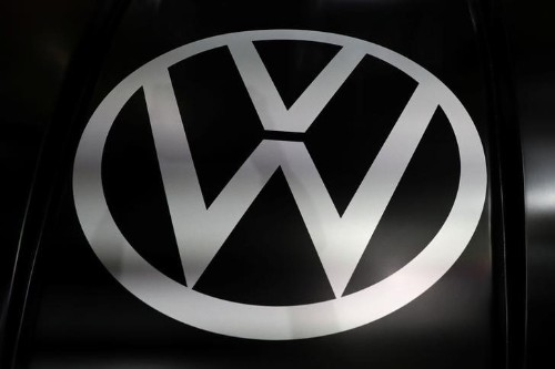 Weckruf von VW-Chef Diess - Volkswagen beim Umbau zu langsam