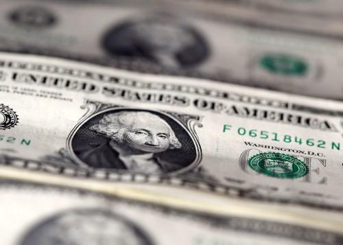 Euro struggles on weak data, IMF growth forecast cuts