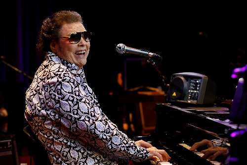 Ronnie Milsap returned to his iconic studio for duets album