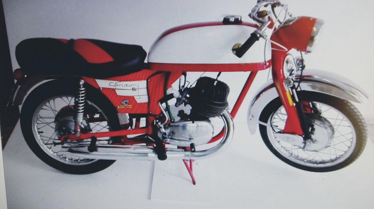 Lube Cóndor 175 cc 1966. Se fabricaban en Luchana Bilbao. Propiedad de Juan Bort, Ex Presidente Club Moto Clásica Castellón.