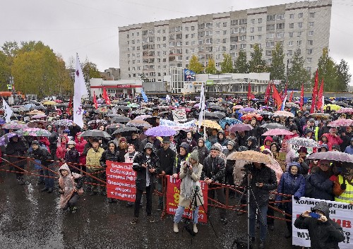Protests erupt against proposed waste plant in NW Russia