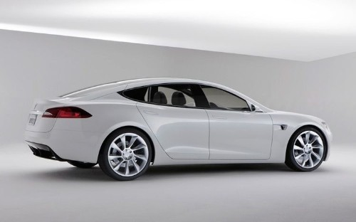 Tesla Model S Can Now Drive Without You