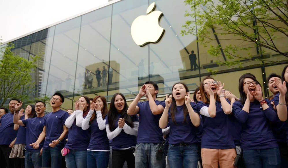 China finally overtakes U.S. in iPhone sales, Chinese revenue up 71%