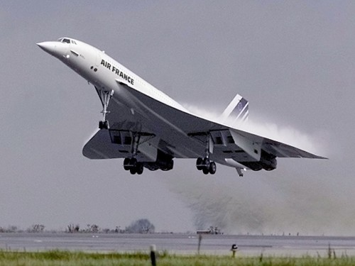 The Concorde made its first supersonic passenger flight 40 years ago — here's what it was like