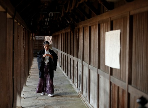 Special Report: Remembrance Lake - In Japan, climate change unravels 600 years of history held dear