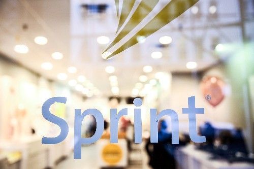 Sprint loses fewer subscribers than expected on cheaper phone plans