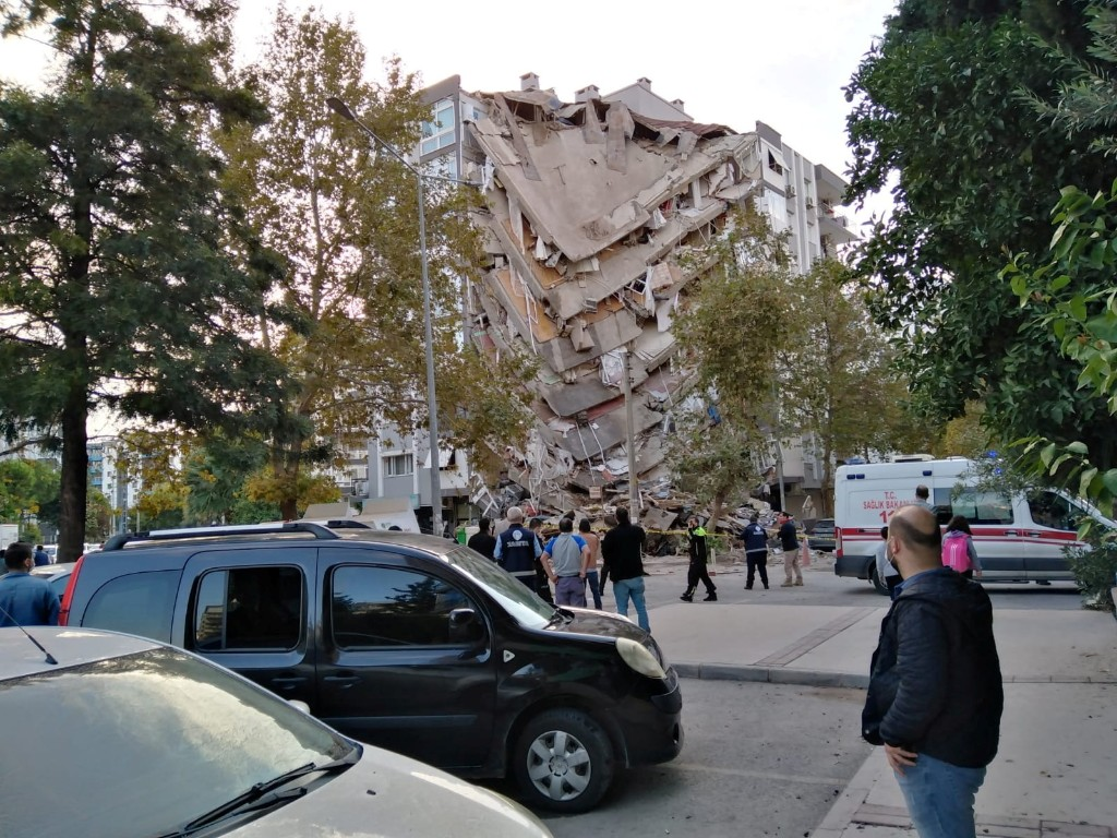Strong earthquake kills 14 people in Turkey and Greek islands