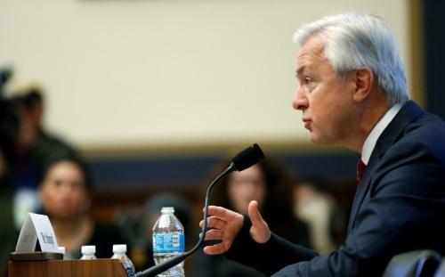 U.S. House panel lambastes Wells Fargo boss over phantom accounts