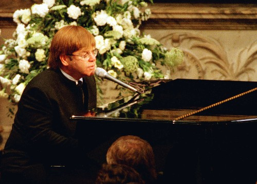 Elton John: I needed teleprompter for Princess Diana's funeral song