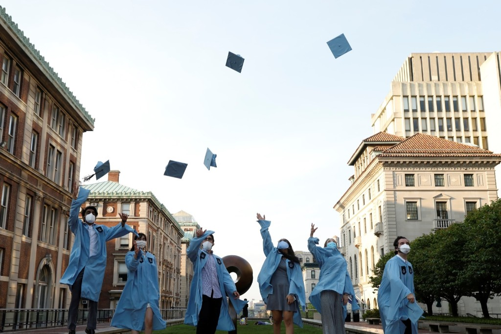 Graduation Day During the Pandemic: Pictures