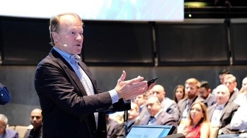 John Chambers On Market Transitions And Managing Change