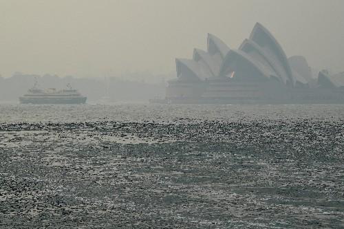 How a mega fire spread toward Sydney