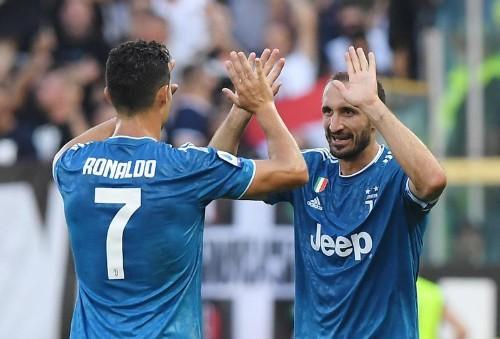 Premier test réussi pour la Juve et Naples