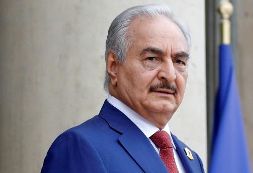 قيادة حفتر تقول إنه في إيطاليا لعقد اجتماعات لا لحضور مؤتمر ليبيا