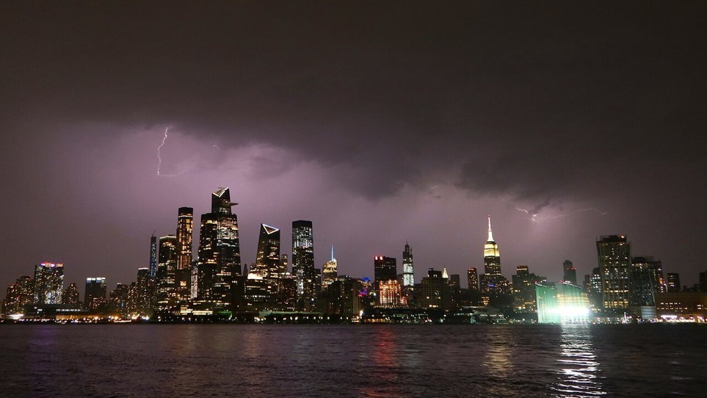 NYC Power Outage, In-person Learning & More — Friday's Rundown: Aug. 7