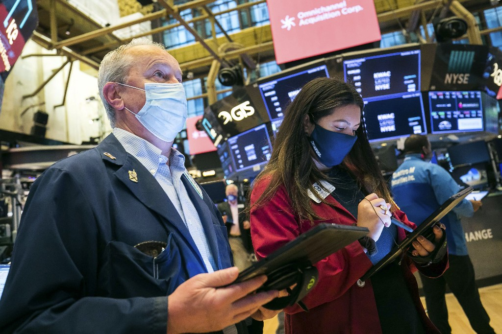 Wall Street slips amid worries about worsening pandemic