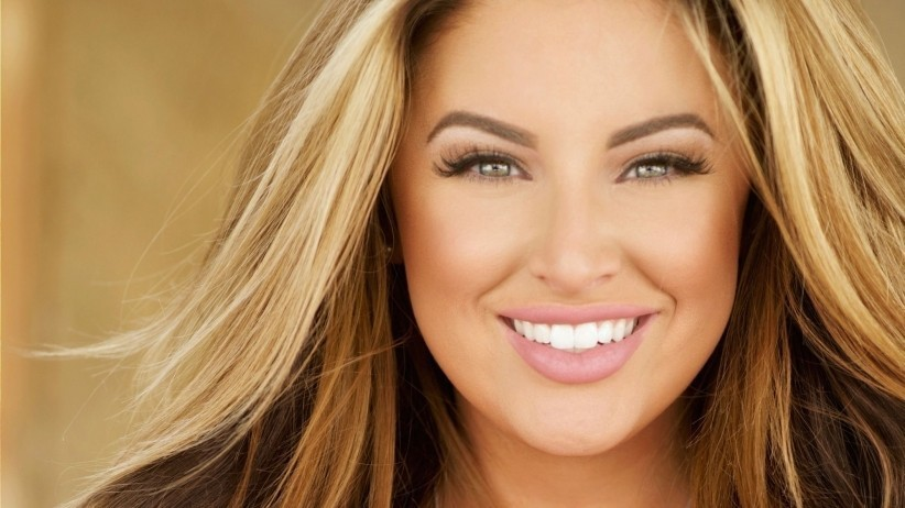 10 Startup Secrets You Can Learn From Plus-Size Model and CEO Ashley Alexiss