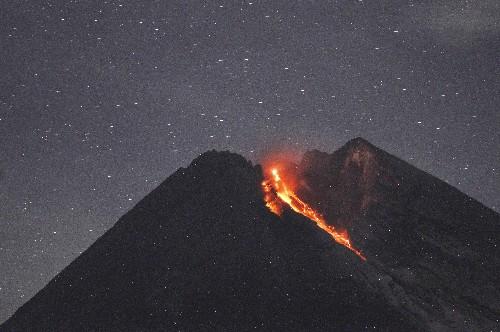 Indonesia's Merapi volcano unleashes river of lava