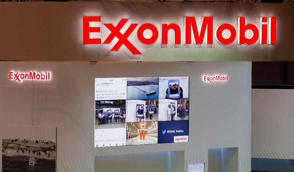 Exxon posts third straight loss as pandemic hits demand, prices
