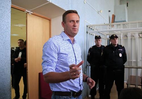 Russia jails Kremlin critic Navalny for 10 days