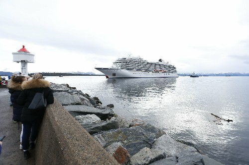 Official: Norway cruise ship engines failed from lack of oil