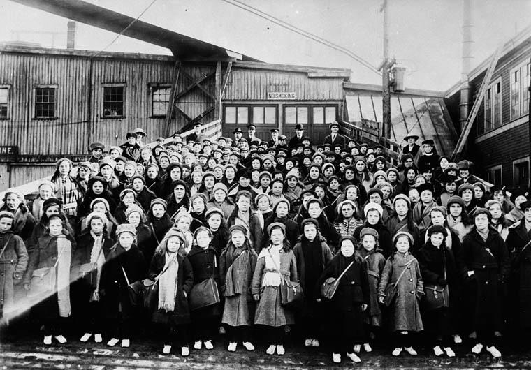 Les orphelins de la famine en Irlande au Canada - Magazine cover