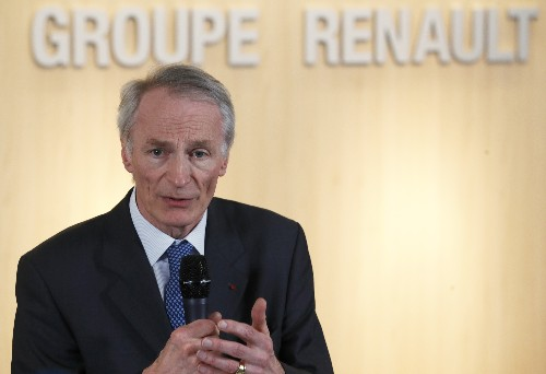 Renault lowers forecast amid sales slump, Nissan troubles