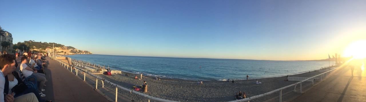 """La """"Prom des Anglais"""" ... la Riviera que le monde envie et rêve. Nous, nous y étions :)"""