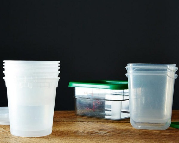 The Super-Smart Way to Get the Leftover Smell and Taste Out of Food Containers