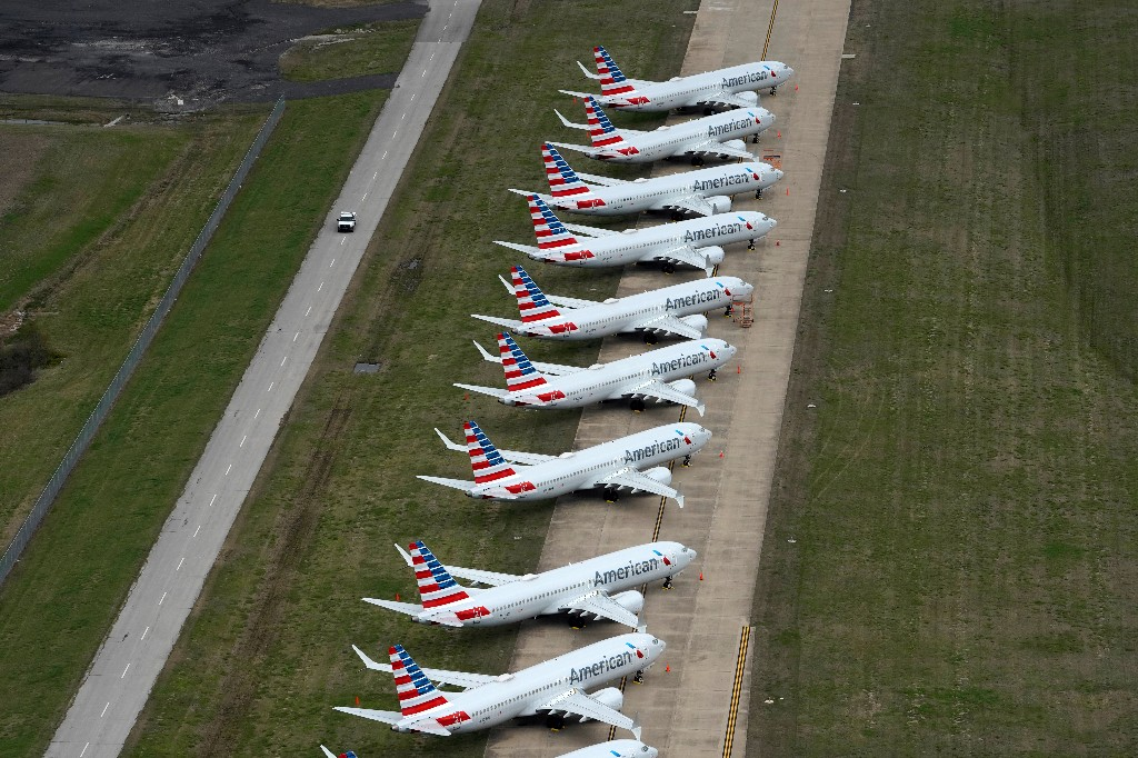 American Airlines to begin Boeing 737 MAX pilot training in November, memo shows