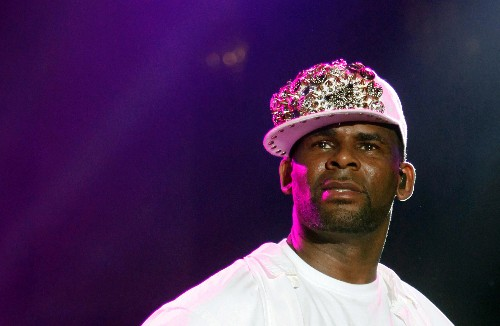 Singer R. Kelly charged with sexual abuse: court records