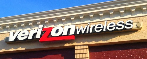 FCC Questions Verizon's Limits On Unlimited Data