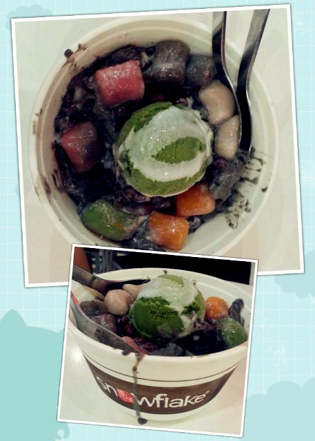 """Tonite hv a dessert """"Snowflake"""" with my brother ^^ Delicious ��"""