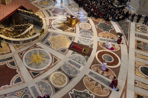Papal Good Friday service draws attention to world's poor