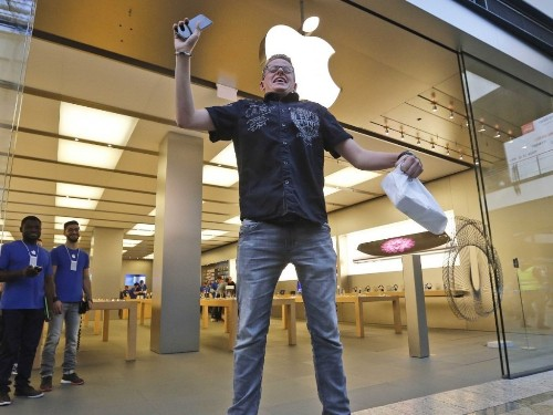 The iPhone 6 Is Selling Like Crazy
