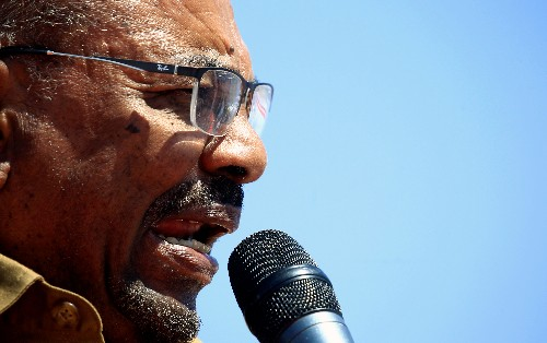 Bashir tells Sudan lawmakers to postpone amendment that would keep him power