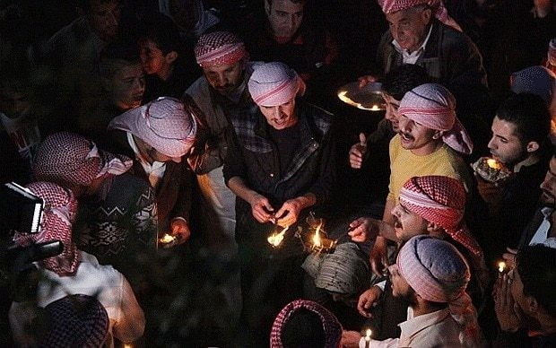 Islamic State 'executes 300 Yazidi hostages in Iraq'