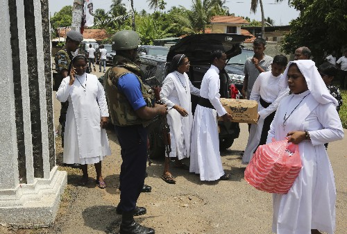 Death toll lowered to 253, Sri Lanka braces for more attacks