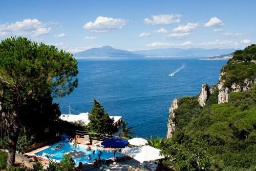Discovering Capri island